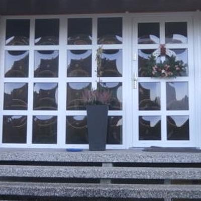 okna z białą ramką 1